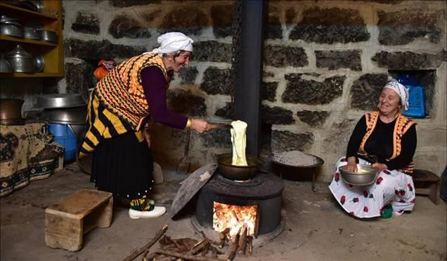 Karadeniz kültürünü 'ekoturizm köyü'nde öğreniyorlar Haberi