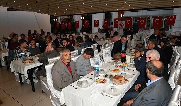 Gümrükçüoğlu'ndan davet haberi